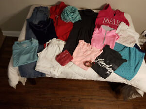 Lot of 15 Med sized Teen Girl Clothes - Used