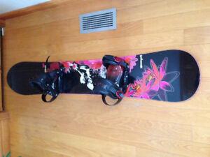 Planche à neige de marque Rossignol pour femme