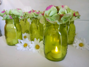 Gorgeous Green Jar Vase (With Flowers 💐) Rosemeadow Campbelltown Area Preview