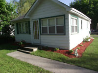 PORT ELGIN - CLEAN, COMFORTABLE BUNGALOW FOR RENT