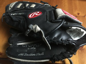 Rawlings Left hander baseball Glove