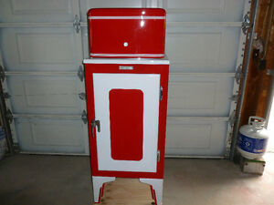 1930 GE restored monitor top fridge