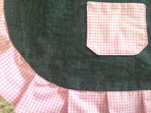 Cute Ruffled apron new hand made Cambridge Kitchener Area image 3