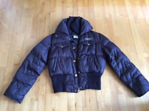 Plusieurs manteaux a vendre Homme et femme et ado