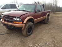1998 lifted Chevrolet S-10 Pickup Truck