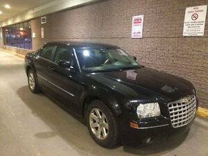 Chrysler 300 Very clean car, used rarely. Sealing for buying ano