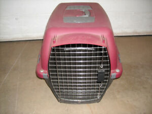 LARGE PETMATE PET TAXI******LIKE NEW CONDITION******