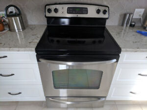 GE stainless steel smooth top electric range