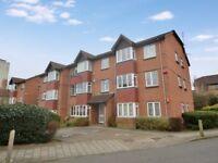 2 bedroom flat in Sterling Gardens, New Cross SE14