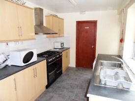 Bills Inclusive Ensuite Room in Professional House Share in City Centre