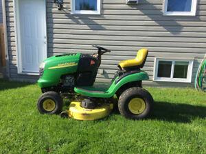 """2010 John Deere Lawn Tractor  E105, 17hp, 42"""" cut"""