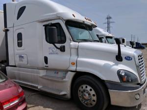 Freightliner Cascadia | Find Heavy Pickup & Tow Trucks Near