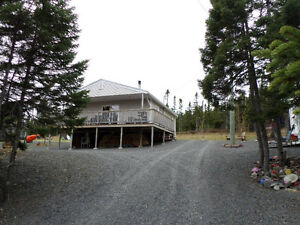 IMMACULATE YEAR ROUND CABIN with PRIVATE SETTING