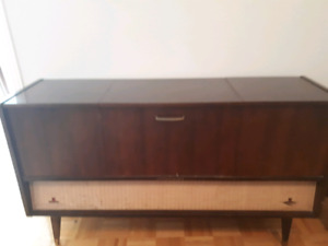 Nordmende record player,/AM/ FM stereo console