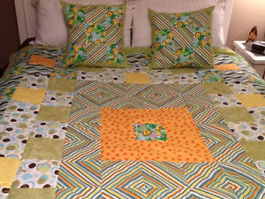 NEW PRICE Hand Stitched Twin/Dbl Quilt with Matching Pillows