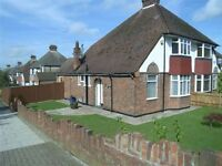 2 bedroom house in Hankins Lane, MILL HILL, NW7