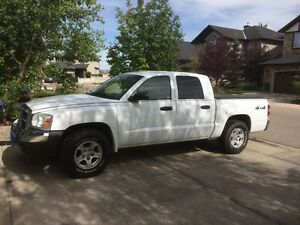 2005 Dodge Dakota SLT V8 4x4 LOW KM 4 Door