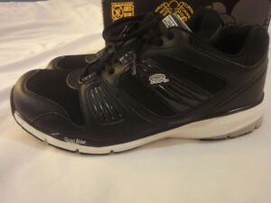 Steel Toe Shoes - Almost NEW - $85 -obo