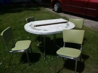 great looking retro kitchen set table / chairs