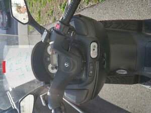 SYM RV2 scooter 250cc.