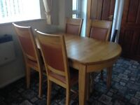 Oak Dining table and chairs (good as new)