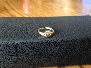 10kt Yellow Gold Adjustable Claddagh Toe Ring