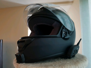 Shoei Qwest Helmet with bluetooth