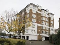 2 bedroom flat in Princes Riverside Road, Rotherhithe SE16