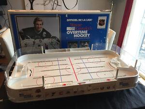 Wayne Gretzky hockey table et 29 equipes!