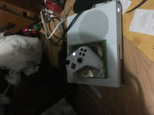 Xbox one s with fifa 18  nfs pay back assassins orgins . 400