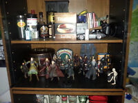 Lord of the ring figures and Blu-ray LOTR extended Trilogy
