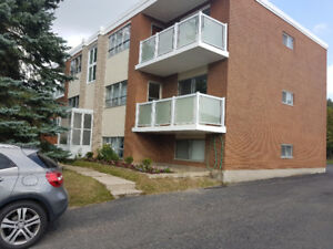 2-Bedroom Apt - 61 Lorraine Ave., Kitchener - Stanley Park