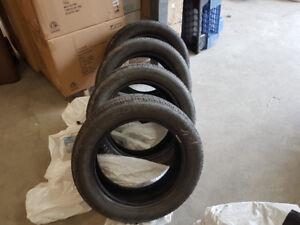 8 pneus a vendre 4 été et 4 hiver 240.00$ pour le tout non négo