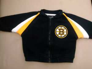 $5 Size 6-9M Boston Bruins zip-up in good condition