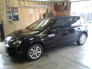 2012 VW GOLF 2.5L 5 SPEED PRICED TO SELL