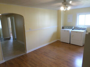 Nice 2 Bedroom upstairs with appliances $925 all inclusive Cornwall Ontario image 2