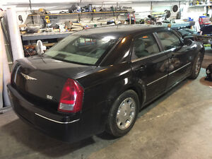 2006 Chrysler 300-Series black Sedan