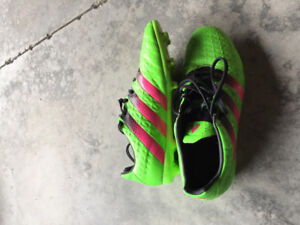 Adidas soccer cleats size 7.5