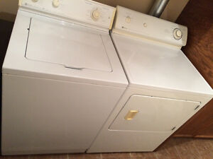 Maytag washer & dryer - Laveuse et Secheuse Maytag