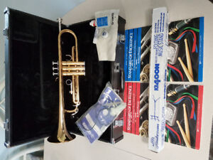 Yamaha Trumpet w / accessories