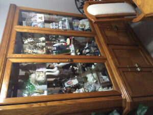Oak buffet and hutch mint condition