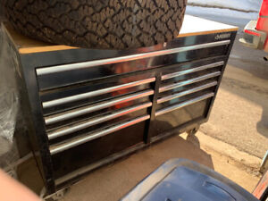 Husky Toolbox with tools Great start for Apprentice $1500 OBO