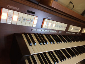 Rodgers 535 Organ (Sold in 2 days. We have others.) London Ontario image 3