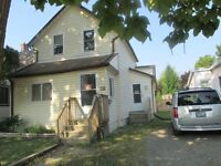 St. Thomas three bedroom house close to all stores