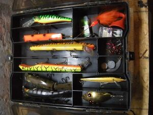 over 15 musky fishing lures in Plano tackle box and musky combo