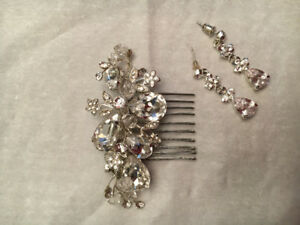 Stunning wedding Earrings and hair comb piece