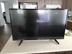 Téléviseur 4k LG 43 pouces intelligente en très bonne condition.
