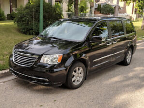 2012 Chrysler Town & Country~Safetied~Command Start~Power doors