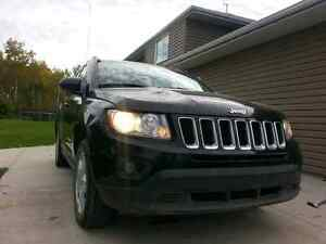2013 Jeep Compass 4x4 North Edition ( salvage status )