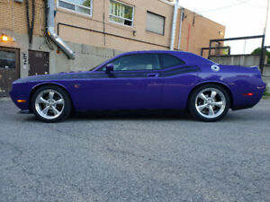 """2010 Challenger R/T Classic """"Plum Crazy"""" 12,000KM 1 Owner"""